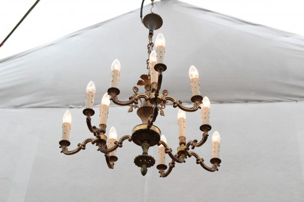 12 flammiger Messing Kronleuchter - Deckenlampe