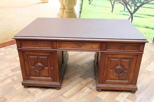 Gründerzeit Partner-Schreibtisch