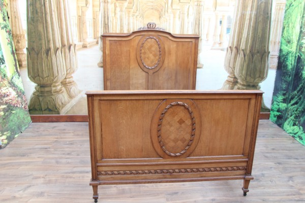 Empire - Biedermeier Bett