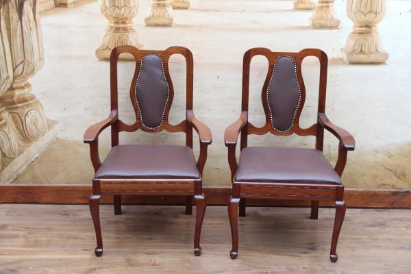 2 Jugendstil Armlehnen-Stühle